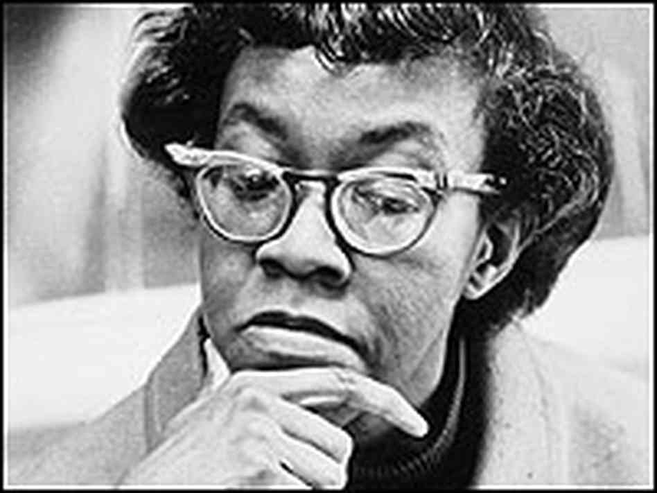 gwendolyn brooks essays Gwendolyn brooks this research paper gwendolyn brooks and other 63,000+ term papers, college essay examples and free essays are available now on reviewessayscom.